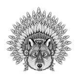 Datailed de hand Getrokken Zentangle-Wolf in Bevederde Oorlogsbonnet, hoog Stock Fotografie