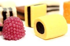 datalistfrukt för 2 färg rullar olika sötsaker Royaltyfri Fotografi