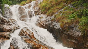 Datanla vattenfall i DaLat, Vietnam arkivfilmer