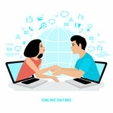 Datar do Internet Uma comunicação em linha Encontrando o amor na rede Imagens de Stock