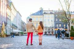Datation de couples dans la ville Image libre de droits