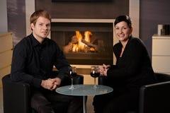 Datation romantique de couples photo libre de droits