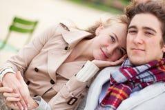 Datation romantique de couples Photographie stock libre de droits