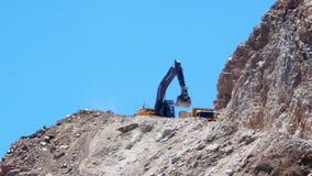 DATCA, TURKIJE - MEI 2015: steengroeve, het werkgebied van de steenkuil stock video