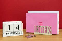 Date du jour et carte de valentines Photo stock