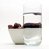 Date ed acqua per il Ramadan Fotografia Stock Libera da Diritti
