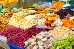 Date orientali dei dolci di Israele del mercato, mirtillo rosso, ananas Fotografie Stock Libere da Diritti