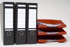 Dateien und ein Zeichenkasten Stockbild