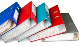 Dateiordner mit Dokumenten auf weißem Hintergrund lizenzfreie stockfotos