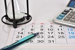 Daten an der Kalenderseite stockfotografie