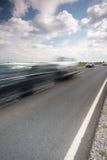 Datenbahn mit einem schnellen Auto stockbild