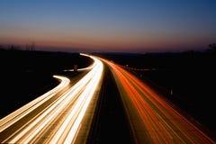 Datenbahn nachts Stockfoto