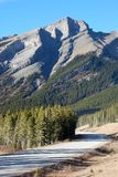 Datenbahn in Rockies lizenzfreie stockfotografie