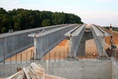 Datenbahnbrückenaufbau lizenzfreie stockfotos