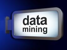 Datenkonzept: Data - Mining auf Anschlagtafelhintergrund lizenzfreie abbildung