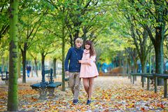 Dating couple in Paris on a fall day Royalty Free Stock Images
