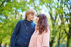 Dating couple in Paris on a fall day Royalty Free Stock Photos