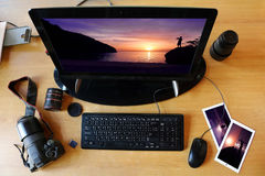 Dator och kommunikationsutrustning av fotografen arkivbilder