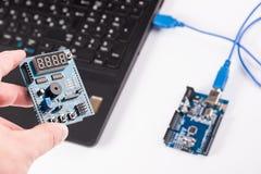 Dator som programmerar microelectronics Royaltyfria Foton