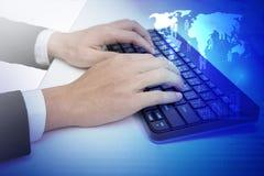 datorbegreppet skriver in interrrogation som den key tangentbordfrågan byter ut yellow Royaltyfri Foto