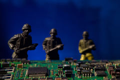 Datoren för Cyberterrorismbegreppet bombarderar Royaltyfria Bilder