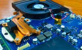 Datorfan och strömkretsbräde Arkivbild