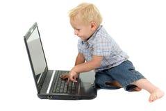 datorläs-och skrivkunnighetlitet barn Arkivbild