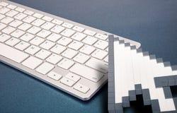 Datortangentbord på blå bakgrund datortecken framförande 3d illustration 3d Vektor Illustrationer