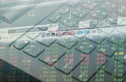Datos de las finanzas del mercado de acción sobre el concepto del negocio del fondo del teclado para el uso del fondo Imágenes de archivo libres de regalías