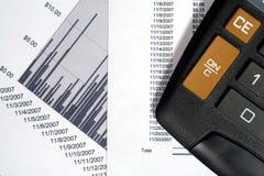 Datos financieros y gráfico Imagenes de archivo