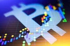 Datos que analizan en mercado de acción del intercambio: los carbones de leña de la vela en el SID Imágenes de archivo libres de regalías