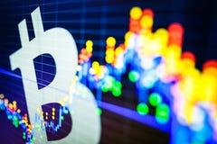 Datos que analizan en mercado de acción del intercambio: los carbones de leña de la vela en el SID Foto de archivo libre de regalías