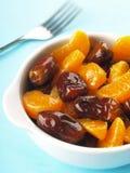Datteri ed insalata di frutta del mandarino Fotografia Stock Libera da Diritti