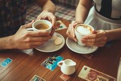 Datum am Café Stockbilder