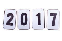 Datum des Jahres 2017 in den Metallfliesen lokalisiert stockbild