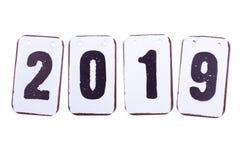 Datum des Jahres 2019 in den Metallfliesen lokalisiert stockbilder