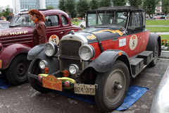 DAUERWELLE, RUSSLAND - 29. JUNI: Sammlung von Retro-autos Peking-Paris 2016, Lizenzfreies Stockfoto