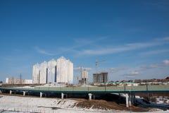 Dauerwelle, Russland - 31. März 2016: Bau einer neuen bewohnten Co Lizenzfreie Stockbilder