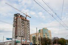 Dauerwelle, Russland - 9. Mai 2016: Bau eines modernen Hauses Lizenzfreie Stockfotografie