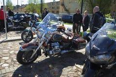 Daugavpils/Letónia - 5 de maio de 2018: Recolhimento anual dos motociclistas dos países Báltico no Daugavpils fotografia de stock