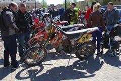 Daugavpils/Lettonia - 5 maggio 2018: Riunione annuale dei motociclisti dai paesi baltici nel Daugavpils immagine stock