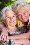 daughter her hugging mother στοκ εικόνες με δικαίωμα ελεύθερης χρήσης