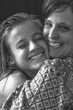 daughter hugging mother Στοκ εικόνες με δικαίωμα ελεύθερης χρήσης
