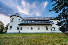 Daugmale/Lettland - September 21., 2018: Foto av gästhemmet arkivbilder