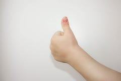 Daumen herauf Hand Kind Alles ist gut foto lizenzfreie stockfotografie