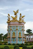 Dauphin d'or et argenté chez Sukhawadee Pattaya Photos stock