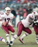 Dave Krieg #17 och C Jamie Dukes #64 av Arizona Cardinals Fotografering för Bildbyråer