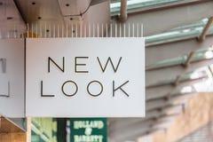 Daventry UK mars 13 2018: New Look logotecken på shopfronten av återförsäljnings- uttag i UK Royaltyfria Foton