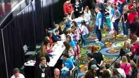 David Archuleta och studio C hälsar fans i Salt Lake City Februari 2015 lager videofilmer