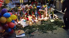 David Bowie Memorial At 285 Lafayette Street 11 Stock Photos
